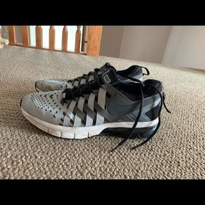 Nike fingertrap shoes size 12